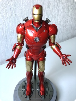 Iron Man Diecast Version by Hot Toys
